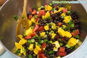 Quinoa-Mango-Salad-5-300x200