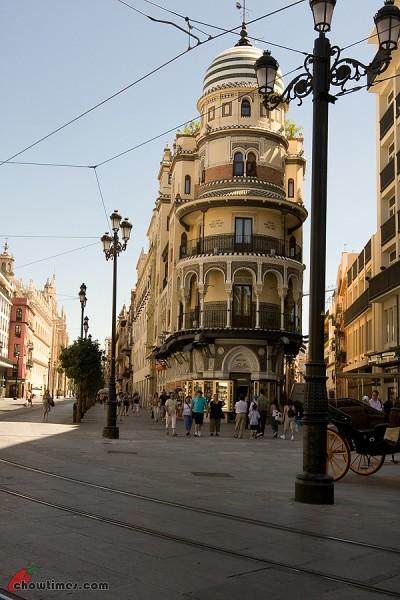 El-Cortes-Ingles-Seville-1-400x600