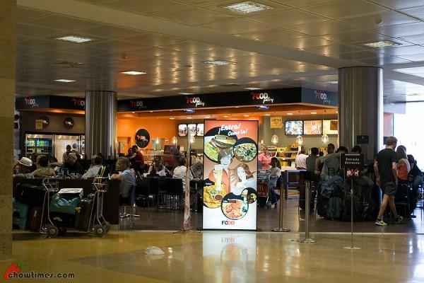 Ryanair-Girona-Airport-2-600x400