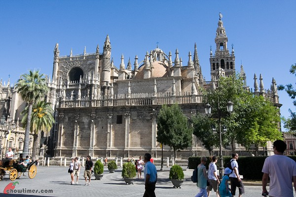 Seville-Cathedral-3-600x400
