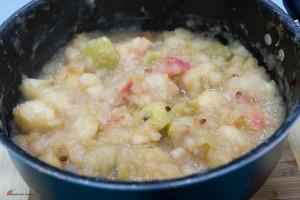 Canning-Apple-Sauce-11-300x200