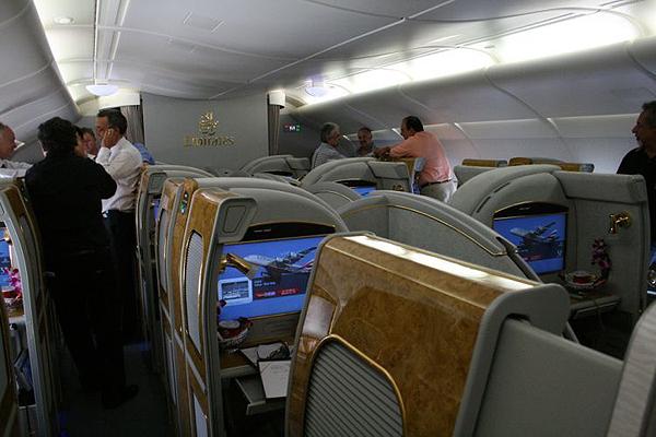 Emirates-Airbus-A380-13