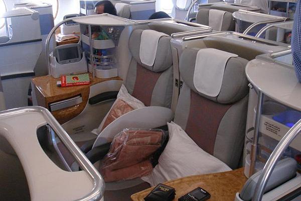 Emirates-Airbus-A380-16