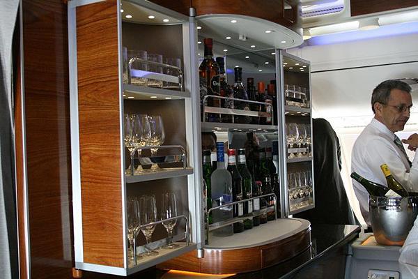 Emirates-Airbus-A380-17