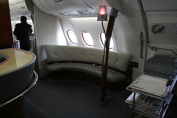 Emirates-Airbus-A380-18