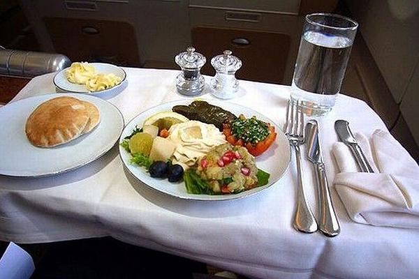 Emirates-Airbus-A380-26