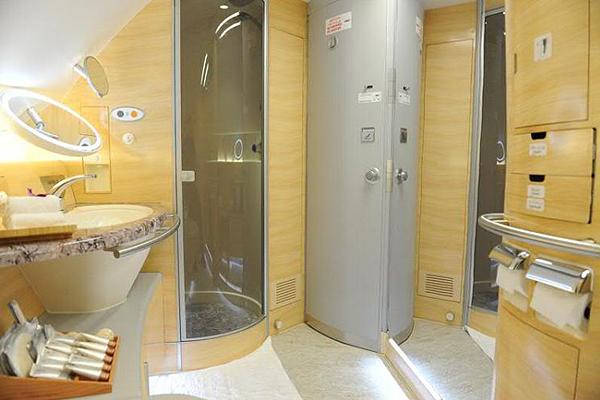 Emirates-Airbus-A380-3