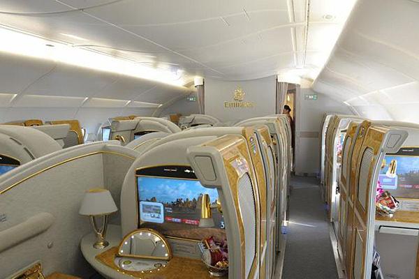 Emirates-Airbus-A380-4