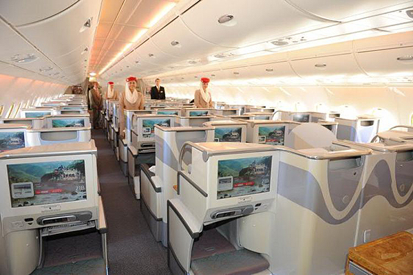 Emirates airbus a380 for Airbus a380 emirates interior