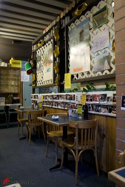Dutch-Wooden-Shoe-Cafe-30-400x600