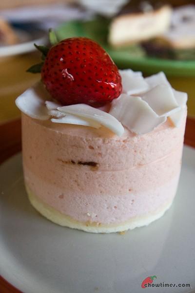Pastry-Club-Dessert-Cafe-10-400x600