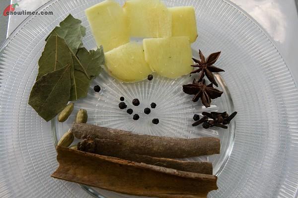 Spiced-Chai-Tea-1-600x400