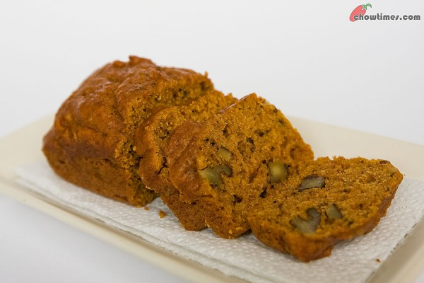 Spiced-Pumpkin-Bread-9-600x400