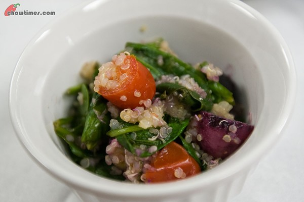 Spinach-Salad-with-Quinoa-7-600x400