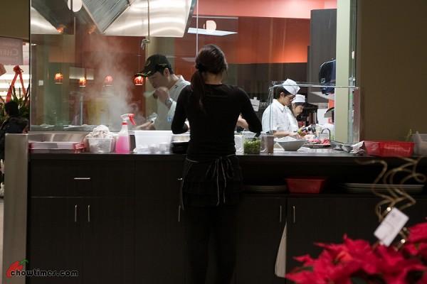 Chef-Hung-Taiwan-Beef-3-600x400