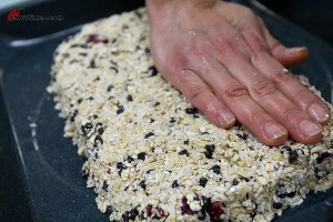 Easy-Granola-Bars-5-300x200
