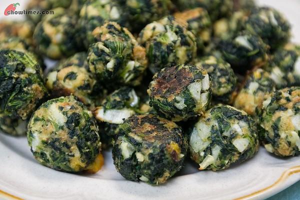 Garlicky-Spinach-Balls-8-600x400