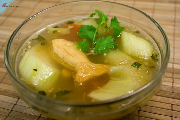 Sweet-and-Sour-Soup-9-600x400