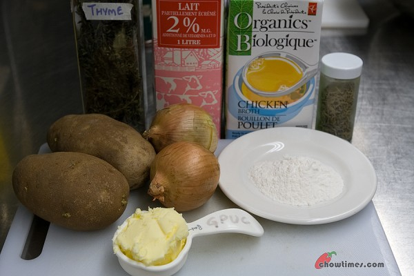 Herbed-Potato-Soup-3-600x400