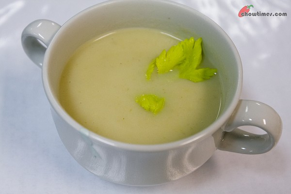 Cream-of-Celery-Soup-6-600x400