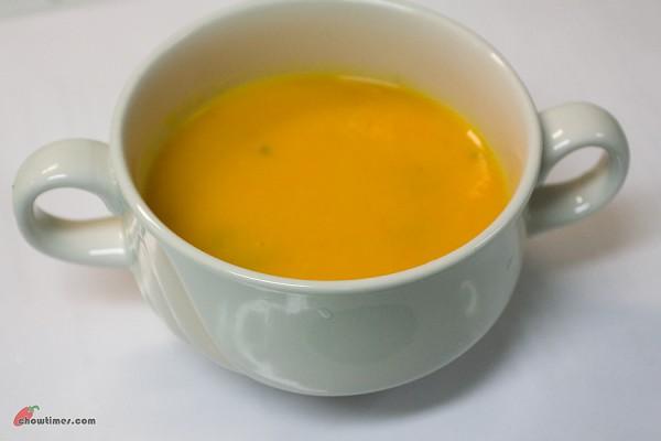 Carrot-Ginger-Orange-Soup-4-600x400