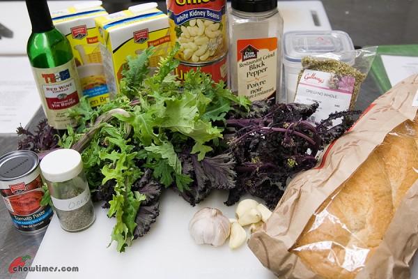 Cannellini-Bean-Kale-Soup-1-600x400