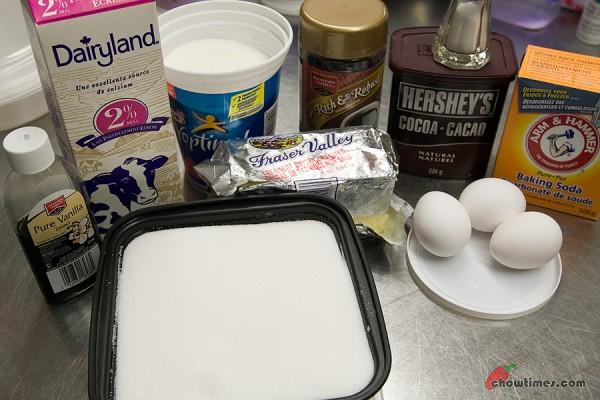 Chocolate-Cupcakes-30-600x400