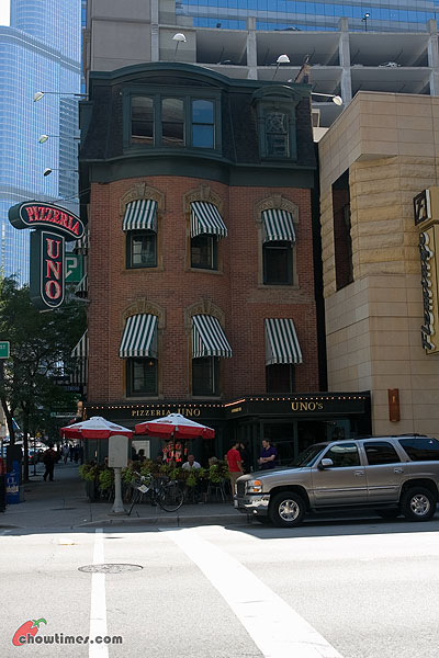 Pizzeria-Uno-Chicago-20