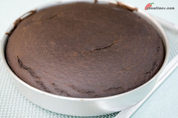 Chocolate-Snacking-Cake-7-600x400