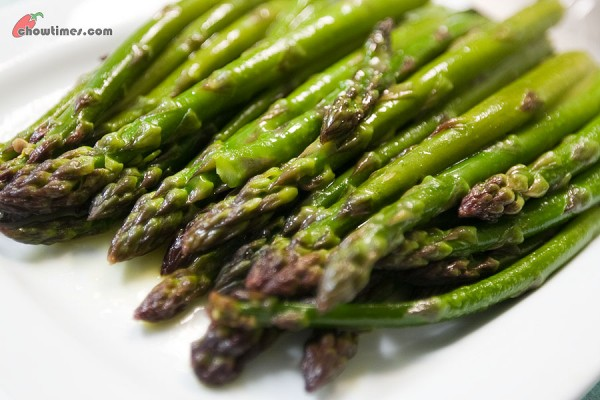 Orange-Glazed-Asparagus-8-600x400