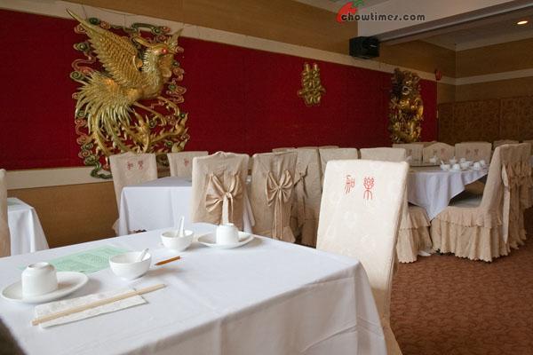 Gala-Seafood-Restaurant-001