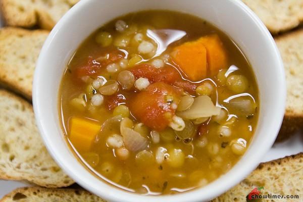Herbed-Lentil-Barley-Soup-5-600x400