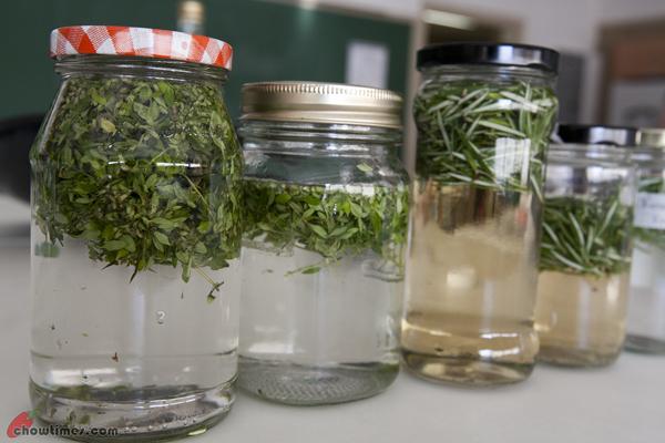 Making Flavoured Vinegar-12