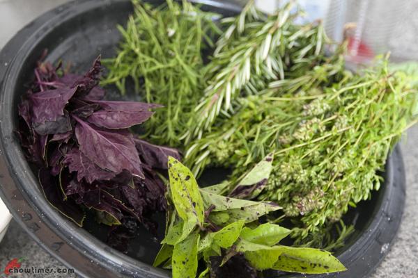 Making Flavoured Vinegar-3