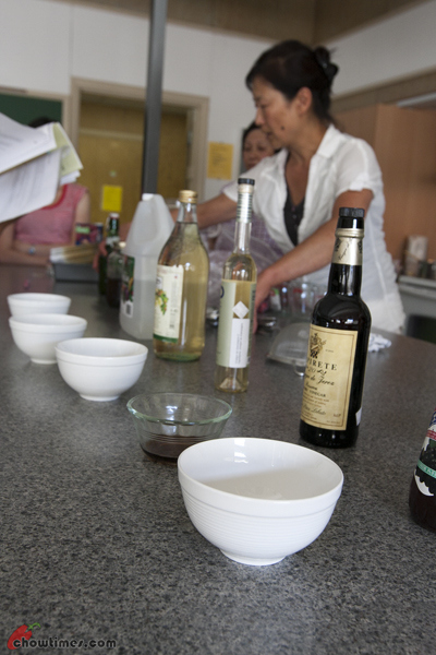 Making Flavoured Vinegar-4