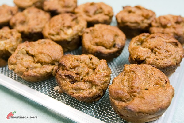 Pear-Almond-Butter-Muffins-6-600x400
