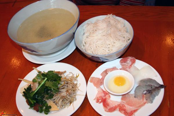 Crossing-Bridge-Rice-Noodle-Dishes-1