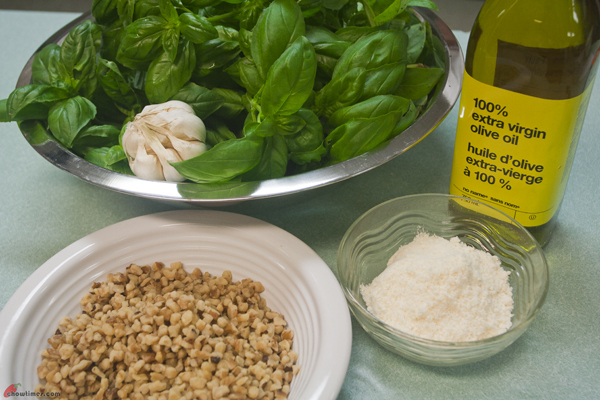 Basil-Walnut-Pesto-4