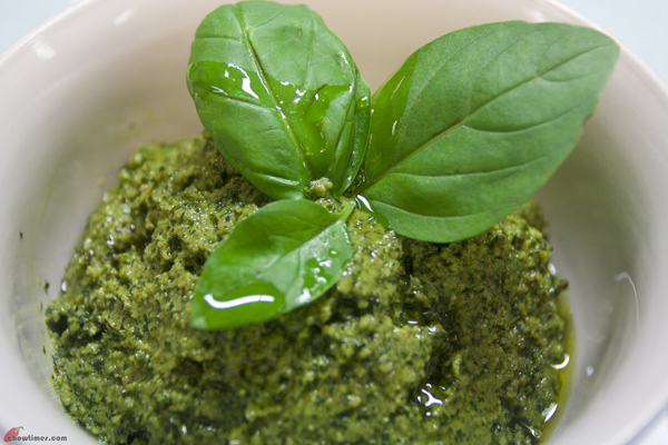 Basil-Walnut-Pesto-6