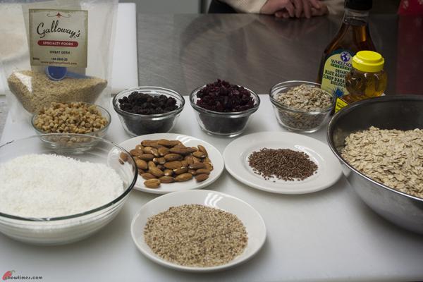 Crunchy-Chewy-Granola-1