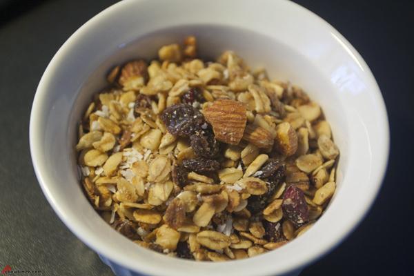 Crunchy-Chewy-Granola-10