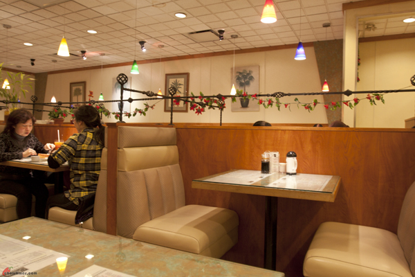 Maxims-Restaurant-Keefer-Vancouver-3