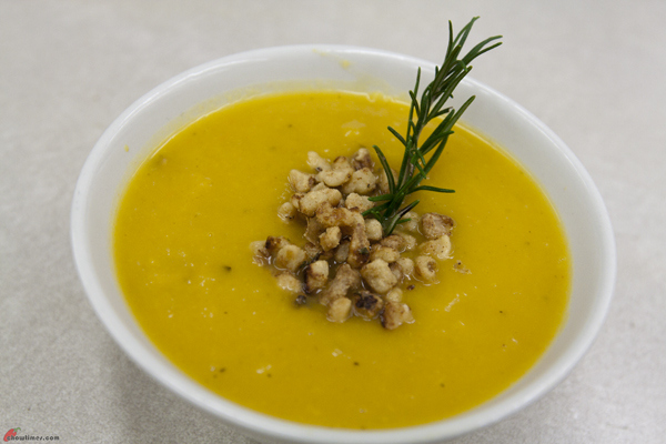 Butternut-Squash-Soup-with-Maple-Walnuts-14