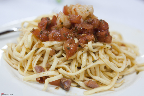 Fresh-Pasta-with-Spicy-Sausage-and-Shrimps-11