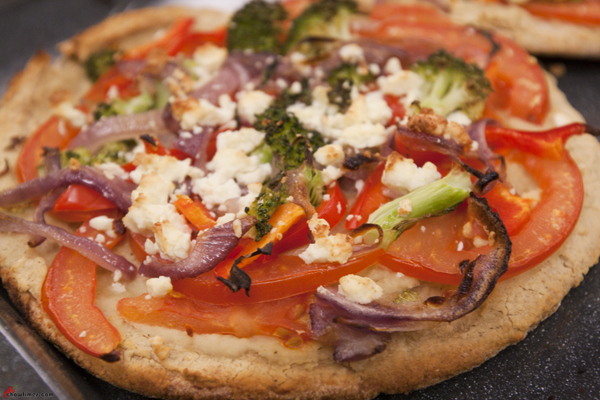 Pita-Pizza-with-Hummus-and-Mint-5