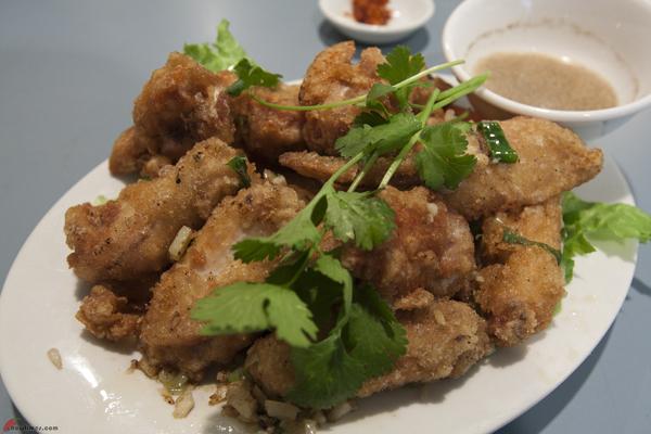 Phnom-Penh-Restaurant-Vancouver-Chinatown-3