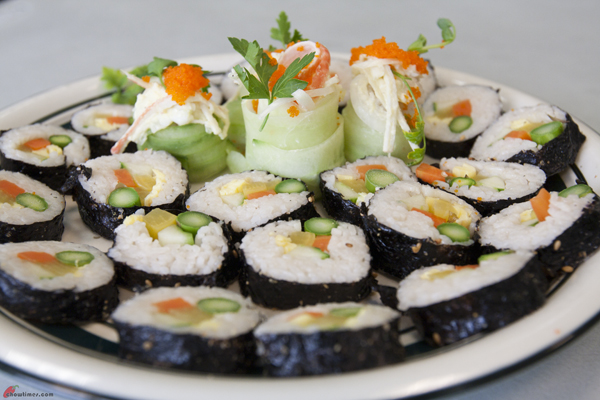 Caring-Place-Community-Kitchen-Making-Sushi-45