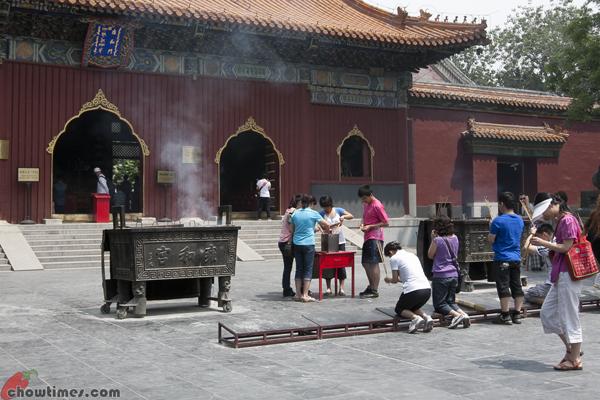 Lama-Temple-Beijing-10