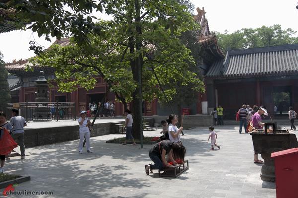 Lama-Temple-Beijing-17