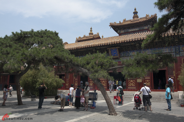 Lama-Temple-Beijing-22